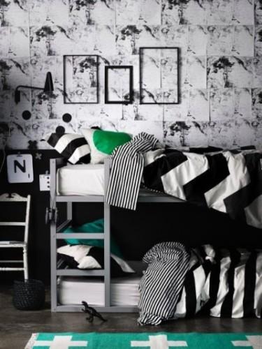 Une chambre en noir et blanc