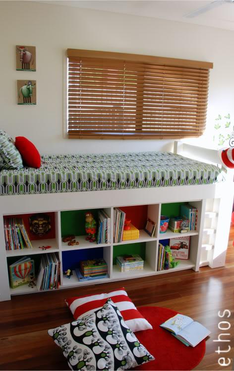 tagre ikea kallax - Ikea Table A Langer Sur Le Lit