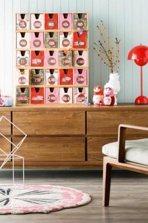 Meuble à tiroirs - Calendrier de l'Avent pour patienter jusqu'à Noël