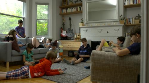L'écran roi - le documentaire sur la cyberdépendance